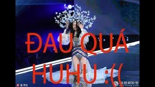 Ming Xi ngã tại Victoria's Secret Fashion Show 2017