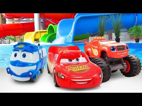 Машинки ваквапарке— Молния Маквин, Вспыш иРоботы-поезда— Видео для детей, серии подряд