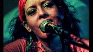 Sultanita - Uzun Ince Bir Yoldayım (Macaristan, Türk halk müziği)