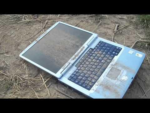Adbuster Destroy Challenge - Niszczenie laptopa
