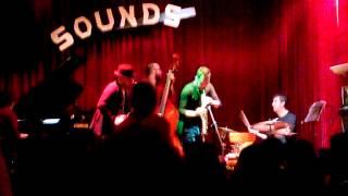 Bruxelles, Giuliano Sangiorgi e Raffaele Casarano Locomotive al Sounds Jazz Club