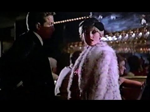 01 American Movie With Woman In Fur Coat