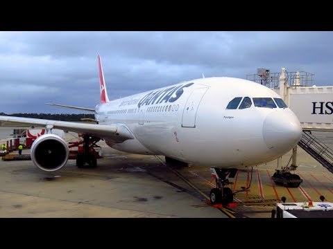 TRIP REPORT | Qantas Airways A330 (ECONOMY) | Melbourne To Sydney | Airbus A330-200
