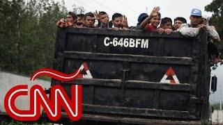 La caravana de migrantes que se dirige hacia Estados Unidos, en Aristegui
