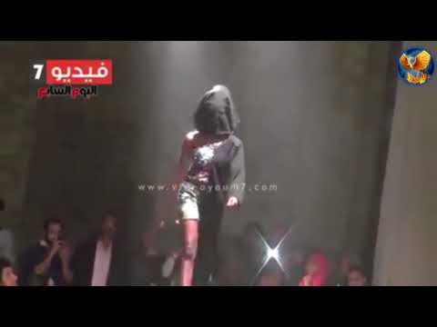 Half-Burka Half-Modern Dress In Cairo Fashion Show