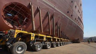 6 bin tonluk iki gemi, 1600 araç lastiği kullanılarak suya indirildi Resimi