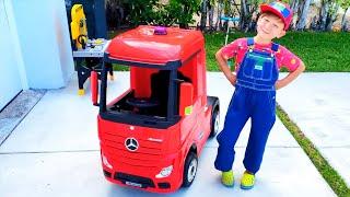 سينيا يقود شاحنة. تجميع مقاطع الفيديو