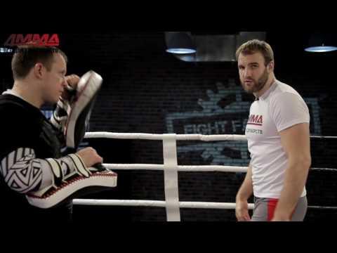 Бэкфист: техника нокаутирующего удара от Дениса Гольцова