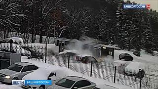На видео попало, как автобус протаранил шесть машин на парковке в Уфе