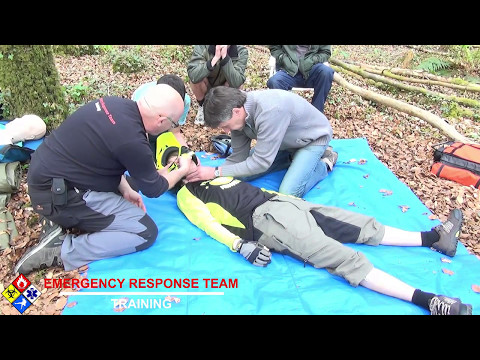 Mountain Bike First Aid Course Safely Removing a Full Face Helmet
