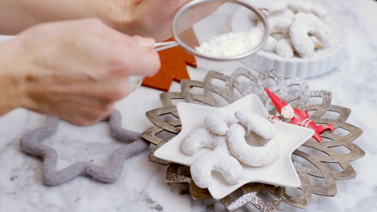 How To Make Vanillekipferl Crescent Shaped Vanilla Cookies Recipe