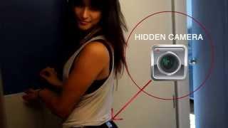 Poposuna gizli kamera takan seksi kız/Butt sexy girl wearing a hidden camera