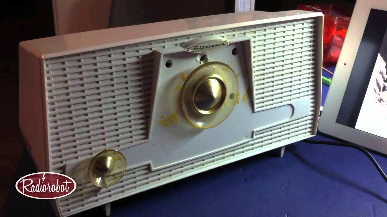 1960 RCA Victor 'Filteramic' Tube Radio (repair test)