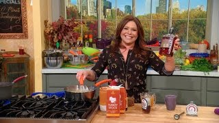 Rachael Ray's No-Fail Thanksgiving Gravy