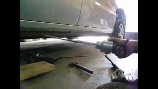 видео Как выпрямить порог на автомобиле