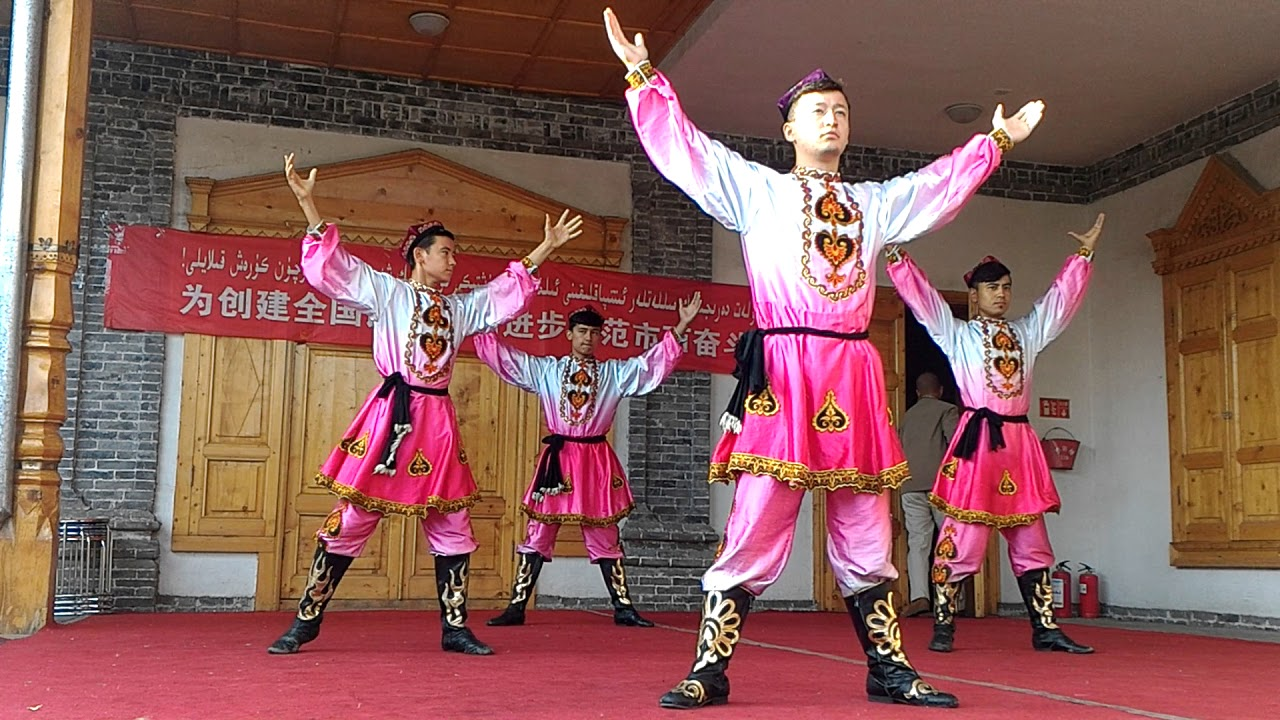 106-0816喀贊其民俗園-維吾爾族歌舞表演(一) - YouTube