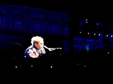 Elton John - Live in Neaples - Your song  11.09.09