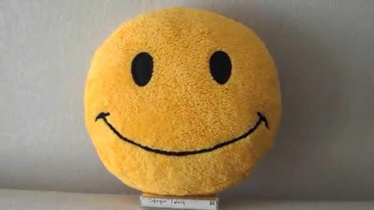 Plush fluffy smiley face pillow - YouTube