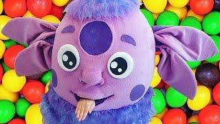 ЛУНТИК Новые серии от Лунтика Краболунтик украл конфеты  Luntik new video with candy