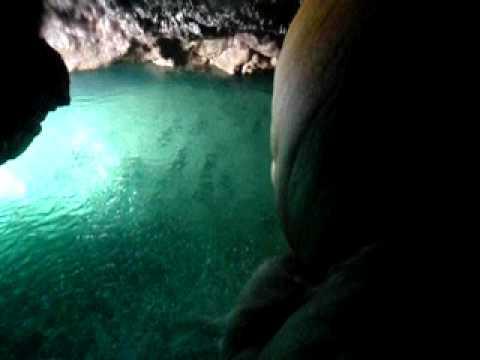 パンプキン鍾乳洞(水の流れ・上から)
