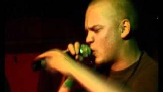 Pyhimys - Kuuna päivänä + Lyrics
