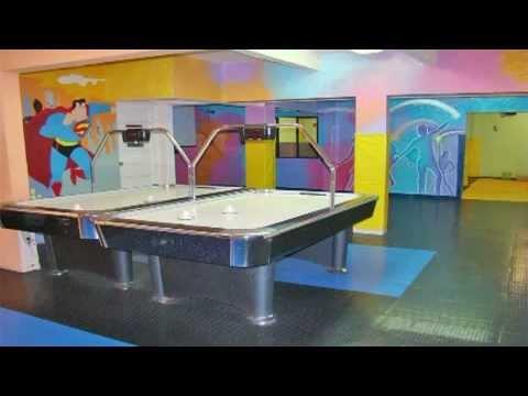 Salon de fiestas infantiles microkids youtube for Abrakadabra salon de fiestas