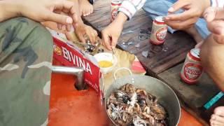 """Ăn như """"MỌI"""" trong những chuyến lênh đênh trên biển Phú Quốc - Nhưng mà ngon"""