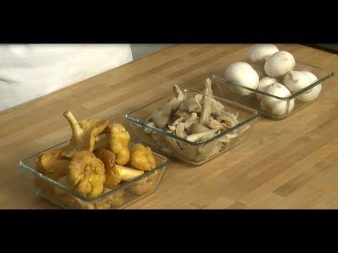 technique de cuisine pr parer des champignons youtube. Black Bedroom Furniture Sets. Home Design Ideas