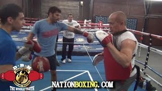 (TECHNIQUES) HOW TO PUNCH WITH FULL POWER. TRAINER ISAMAEL SALAS & JORGE LINARES DEMONSTRATES
