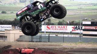 Grave Digger! Monster Truck Mayhem