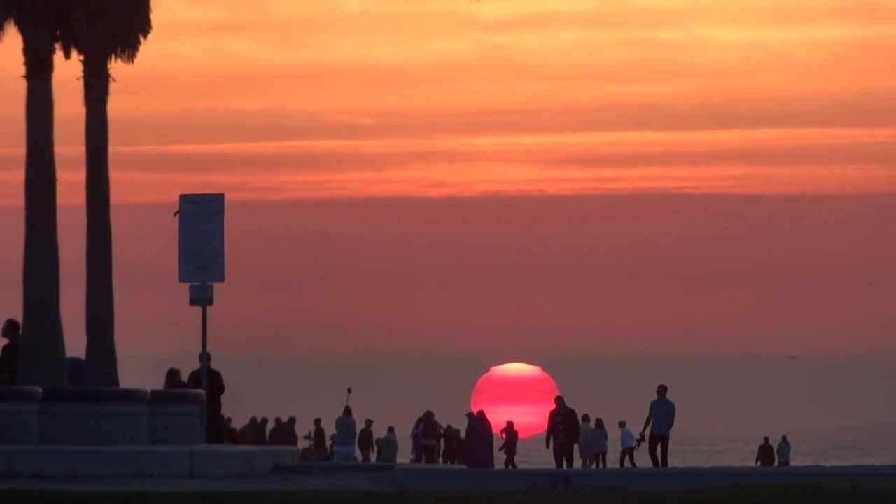 GIANT SUNSET VENICE BEACH CALIFORNIA MARCH 21, 2012