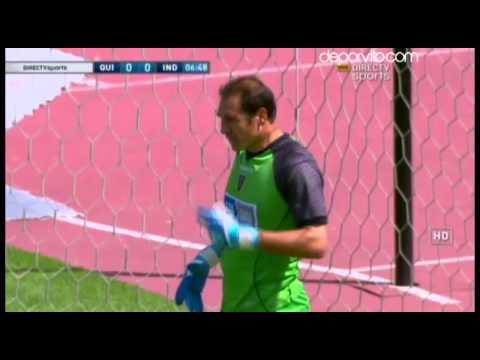 Penal atajado por Azcona, D. Quito 0-0 Independiente