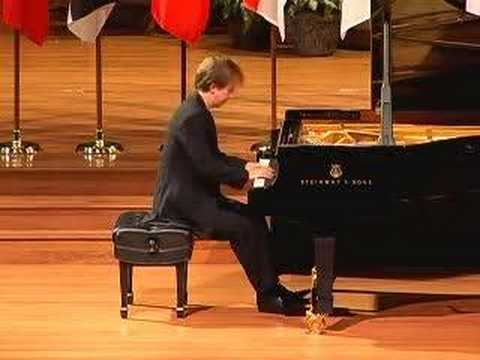 Alexey Koltakov plays Scarlatti Sonata in F minor K466 L118