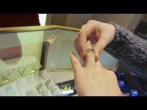 NEW WEDDING RINGS - Feb 20, 2013 - dailyBUMPS