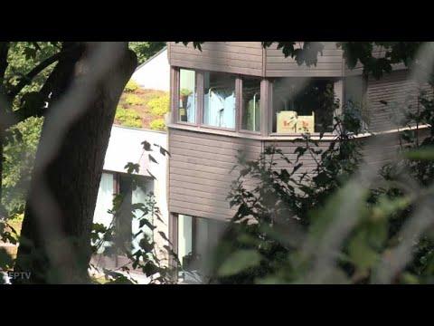neymar paris les images de son immense maison. Black Bedroom Furniture Sets. Home Design Ideas