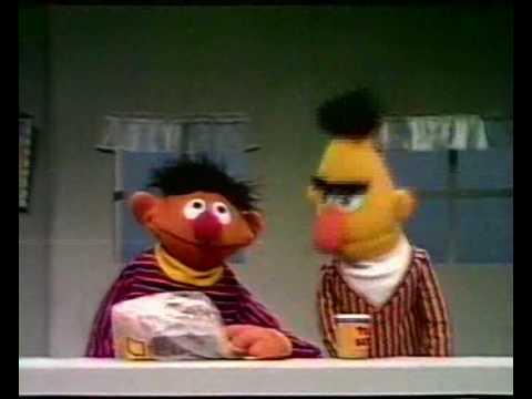 Bert & Ernie - Boterhammen met pindakaas