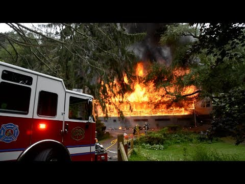Firefighters Arrive at Big House Fire - Pottsville, PA - 08/13/2019