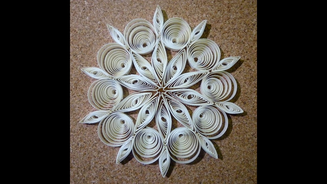 quilled christmas decoration n 2 step by step youtube. Black Bedroom Furniture Sets. Home Design Ideas
