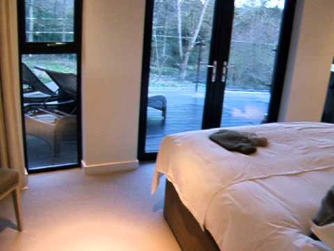 Chewton glen treehouse booking