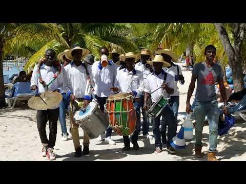 Oasis of the Seas - Labadee, Haiti  Parang or Parranda Music Group - 10/4/2017