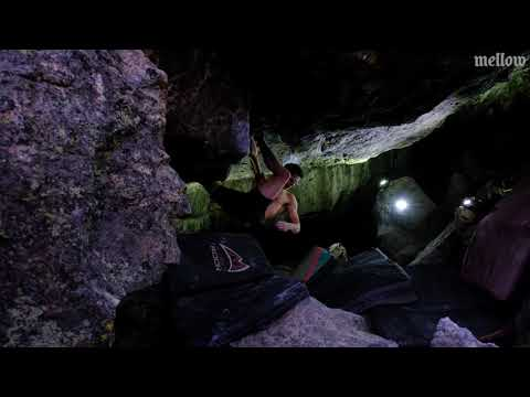 Drew Ruana climbs Creature from the Black Lagoon (Font 8C+)