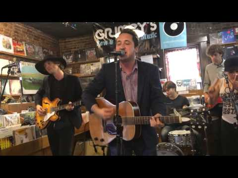 Peter Matthew Bauer - Hold On To Someone (Live at Grimey's)