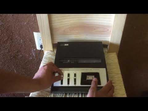 Antigua grabadora General Electric de caset