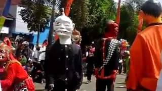 kesenian Badawang dari Bandung ikut memeriahkan hari jadi Garut