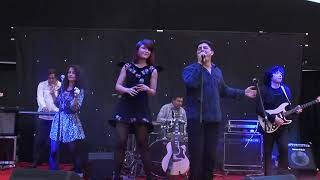Blue Motors and Alexandra Ungureanu -Time of my life (cover) Live Mariage Fest 2012