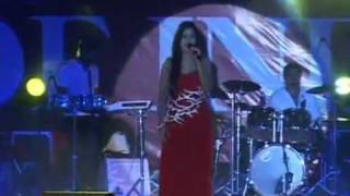 Shreya Ghoshal singing Teri Meri live in Indore1