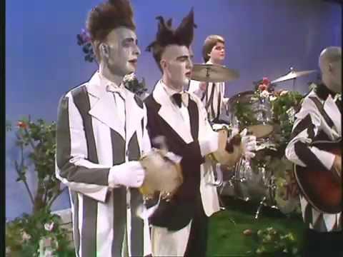 Sweet Dreams. Split Enz 1976