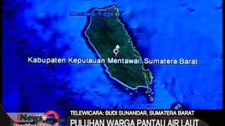 BREAKING NEWS !! Gempa 7,8 SR Mentawai : Takut Tsunami Warga Pantau Air Laut Dipantai