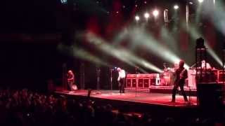 Roll Over Lay Down + Drum solo -Status Quo - Live in concert in de Lotto arena op 21-9-2013 - Joe FM