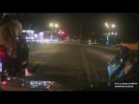 車禍 承德路4段往承德路5段方向機車闖紅燈,造成中正路往百齡橋方向綠燈直行兩輛機車事故
